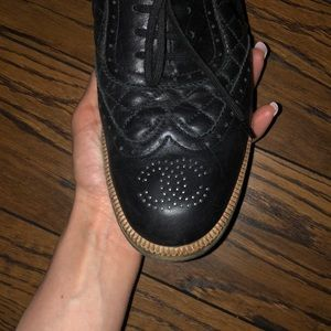 AUTHENTIC CHANEL OXFORDS SIZE 41 (female)